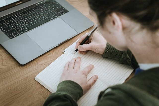 webライターはどんな記事を書けば収入になるのか
